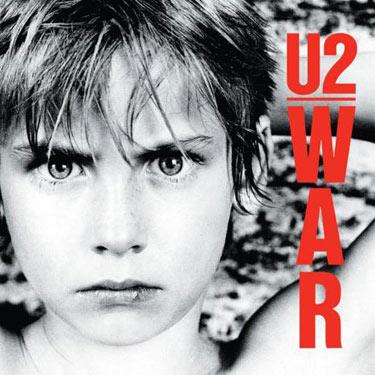 La copertina di War